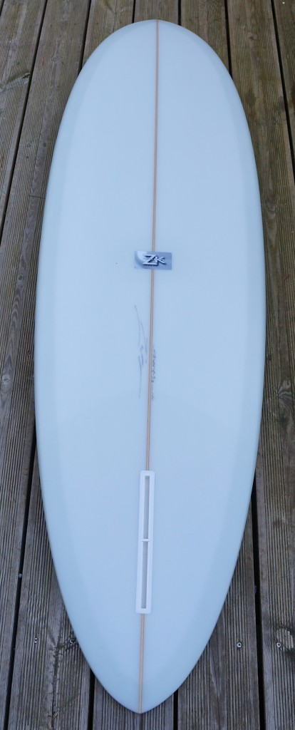 Single fin classic nose rider